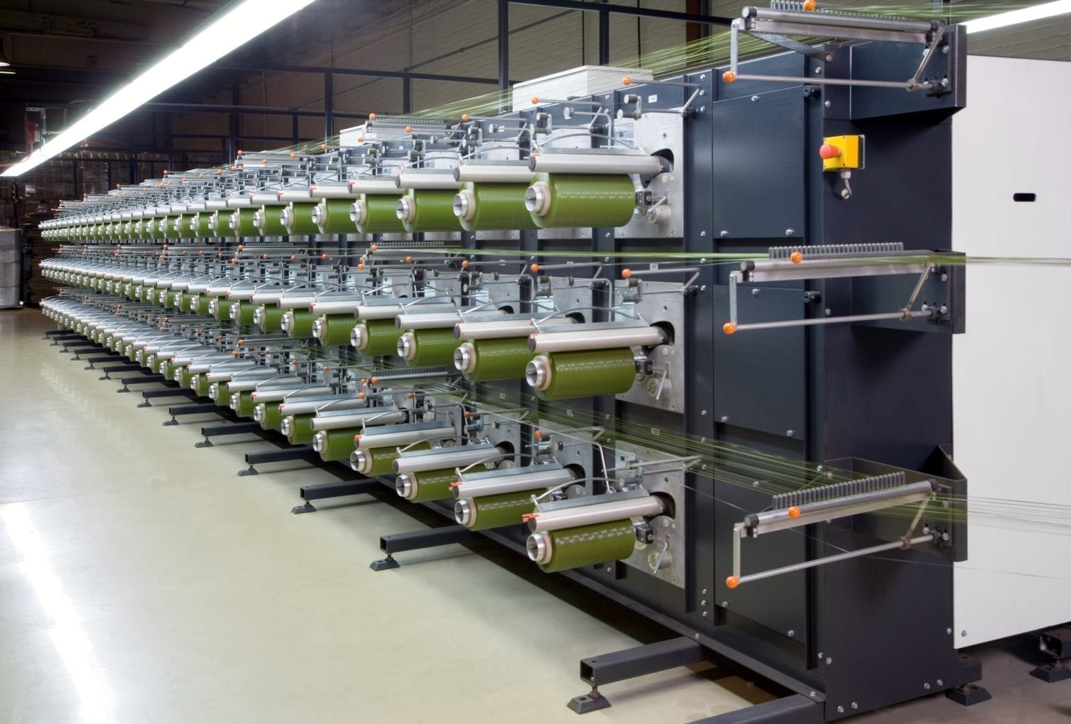 Spulmaschine in der Polytan-Produktion