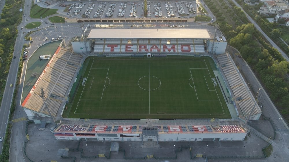 Stadion Bonolis, Teramo